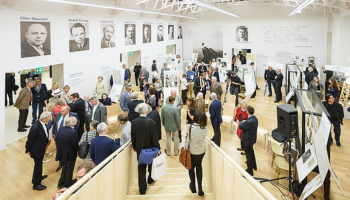"visitors at the exhibition ""The Vienna Circle"""